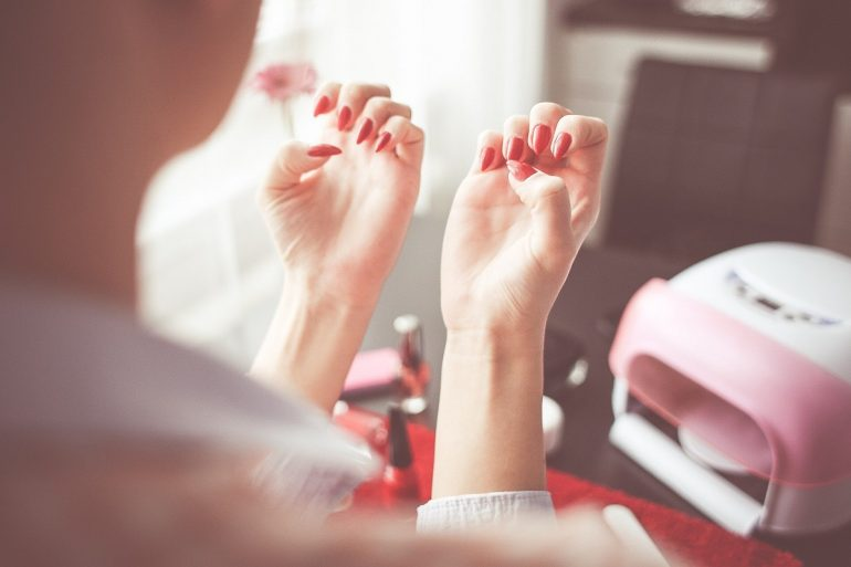 Στα καταστήματα Nails 4 you η ευχαριστημένη πελάτισσα γίνεται η καλύτερη διαφήμιση